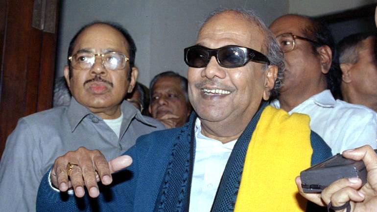 Former-Tamil-Nadu-chief-minister-and-DMK-leader-M-Karunanidhi-2-1-770x433